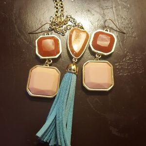 Jewelry - Red coral and peach gold earrings